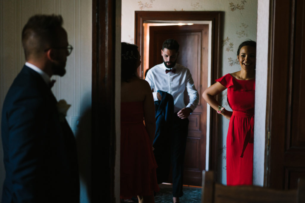mariage preparatifs regard demoiselle dhonneur
