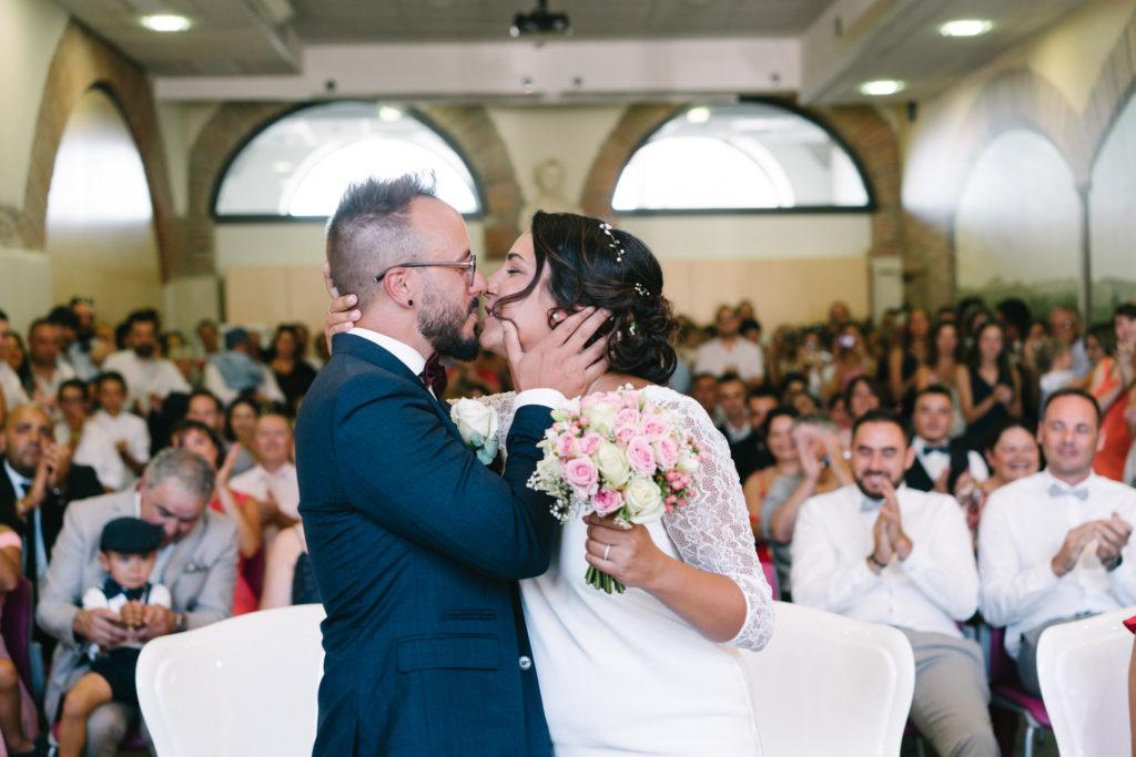 mariage_baiser_mairie