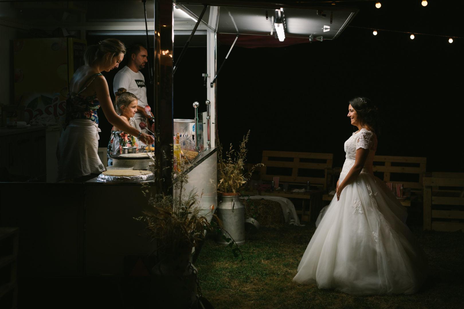 Mariée princesse et enfant